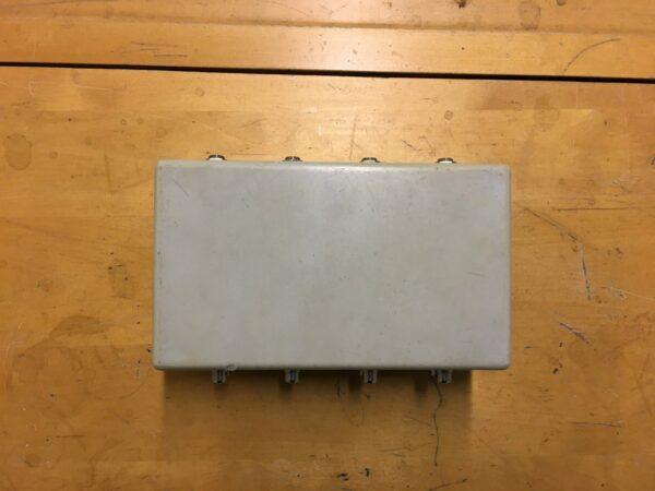 rca-plug laatikko