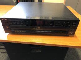 Pioneer 5CD player CDP-C315 etu-päälinen